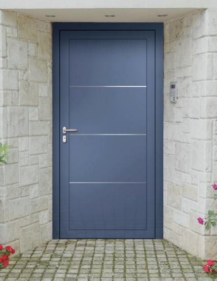 Quelques astuces pour faire briller une porte en aluminium
