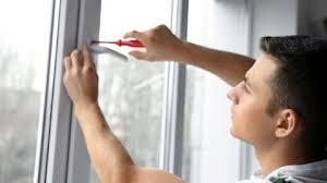 A qui incombe de prendre les dimensions de la fenêtre ?